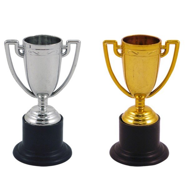 Henbrandt Assorted Mini Trophy - Gold & Silver